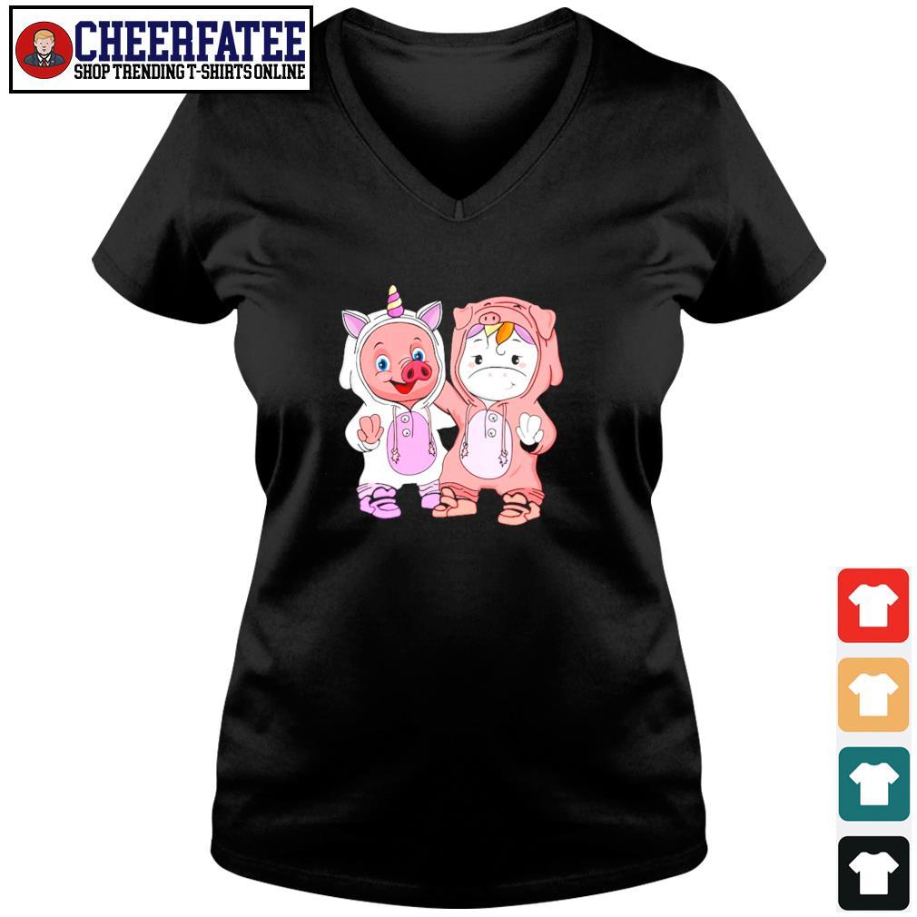 Baby pig and baby unicorn s v-neck t-shirt