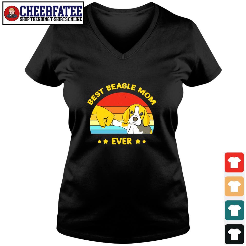 Best beagle mom ever vintage s v-neck t-shirt