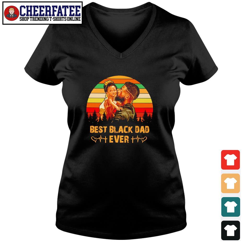 Best black dad ever vintage s v-neck t-shirt