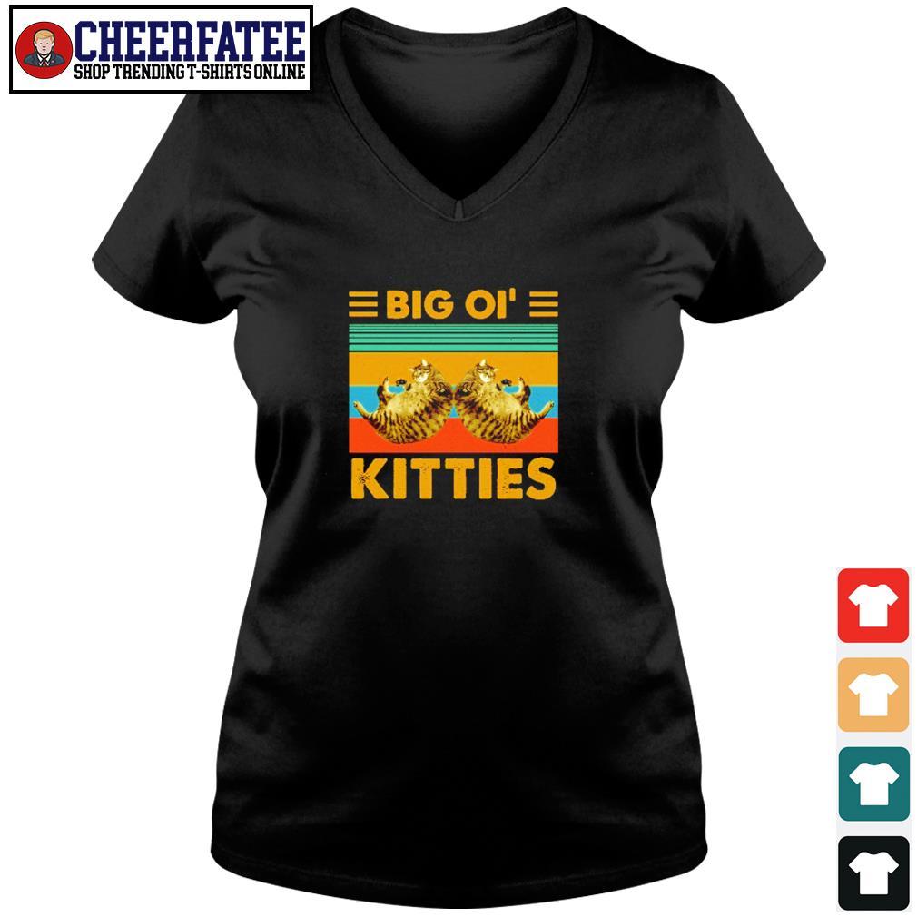 Big ol' kitties vintage s v-neck t-shirt