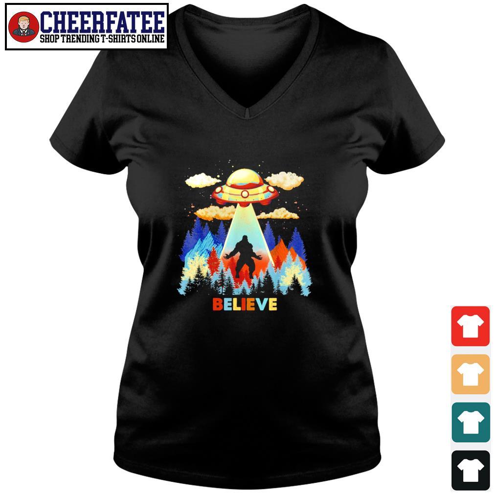 Bigfoot alien UFO believe s v-neck t-shirt